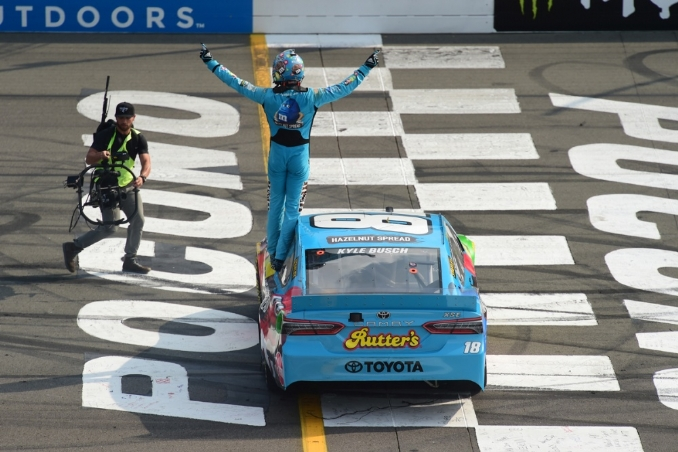 Kyle Busch triumphs at the Tricky Triangle