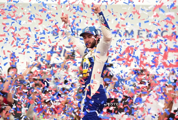 Chase Elliott recovers for Roval win