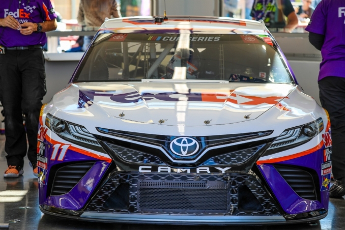 Nose jobs cost Toyota drivers at Las Vegas Motor Speedway