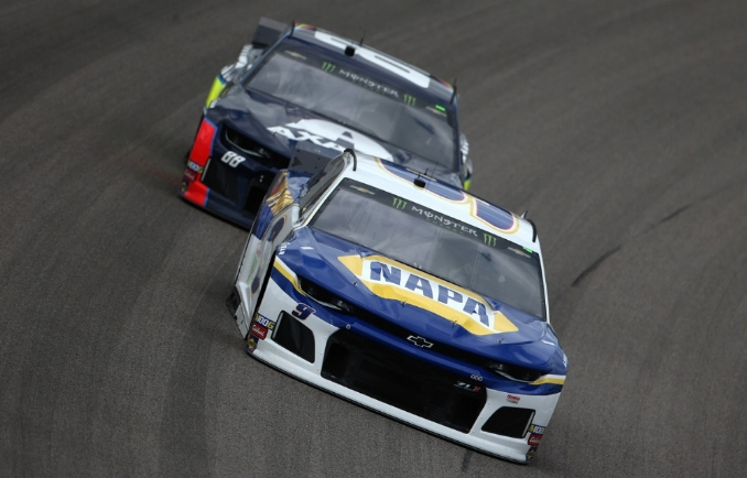 Chase Elliott looks to repeat at Kansas Speedway