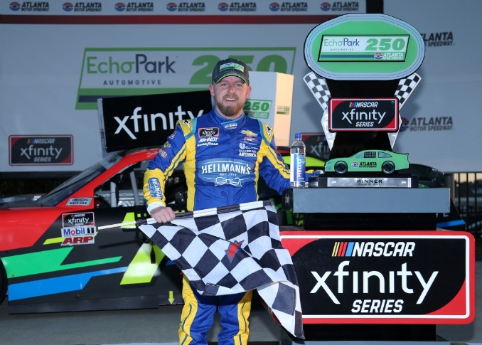 Justin Allgaier holds off Martin Truex Jr. for dramatic Atlanta win