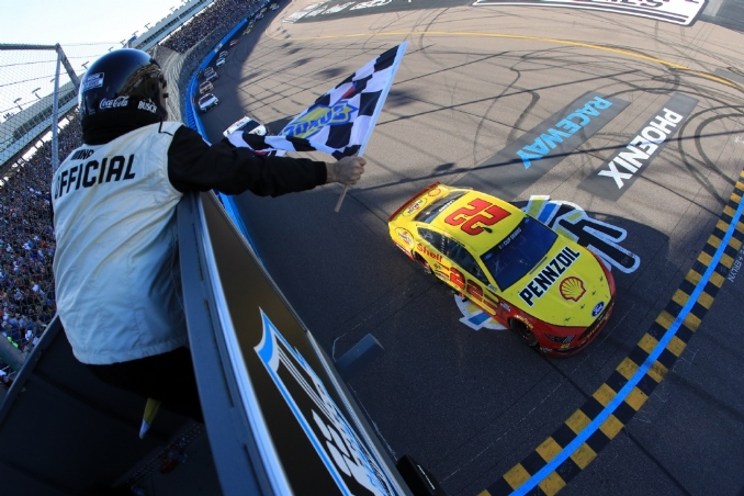 Joey Logano doubles down in the desert