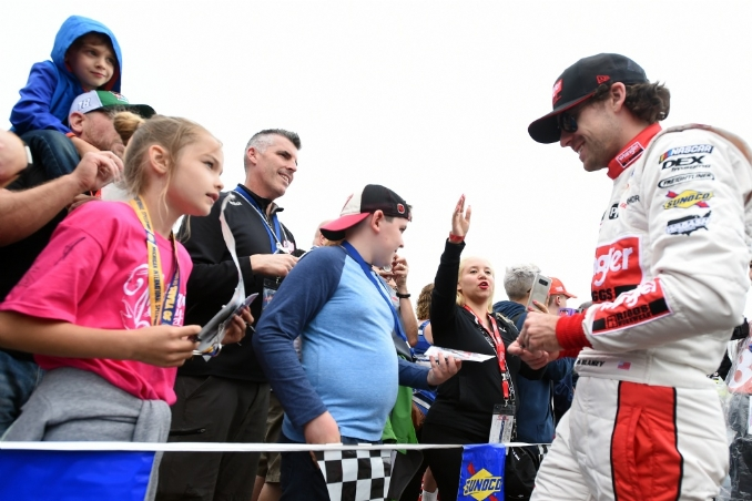 NASCAR: Johnson and Blaney bury the hatchet over beers at Michigan
